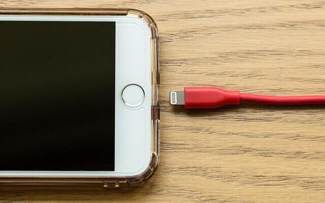 iPhone mister hurtigt strøm